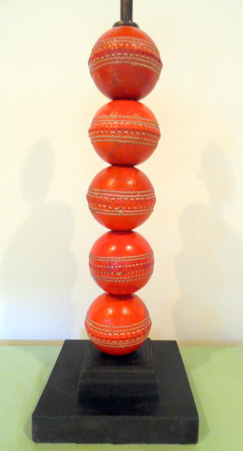 Cricket ball lamp