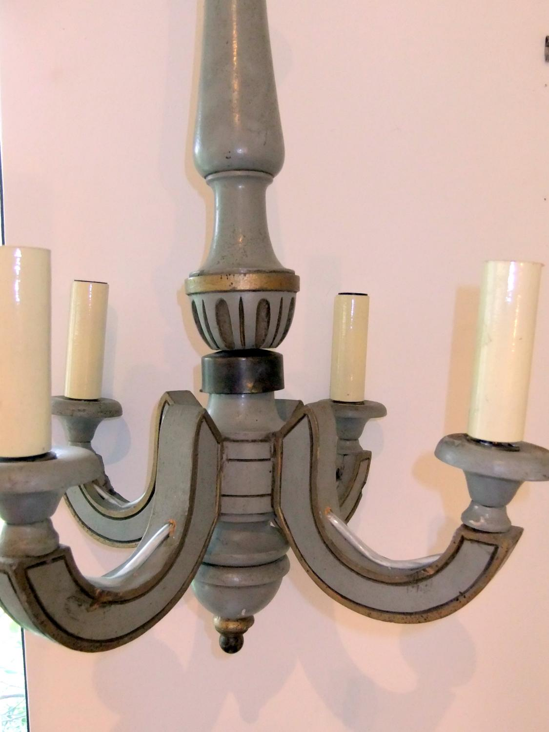 Painted wood 4-arm chandelier